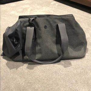 Lululemon gym bag w/ shoe bag
